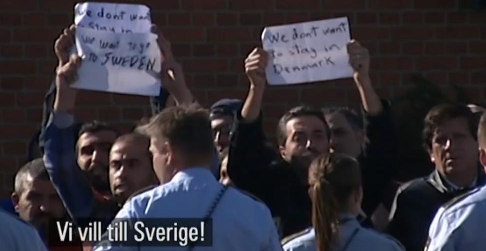 Flyktingar protesterar i EU för att de vill till Sverige