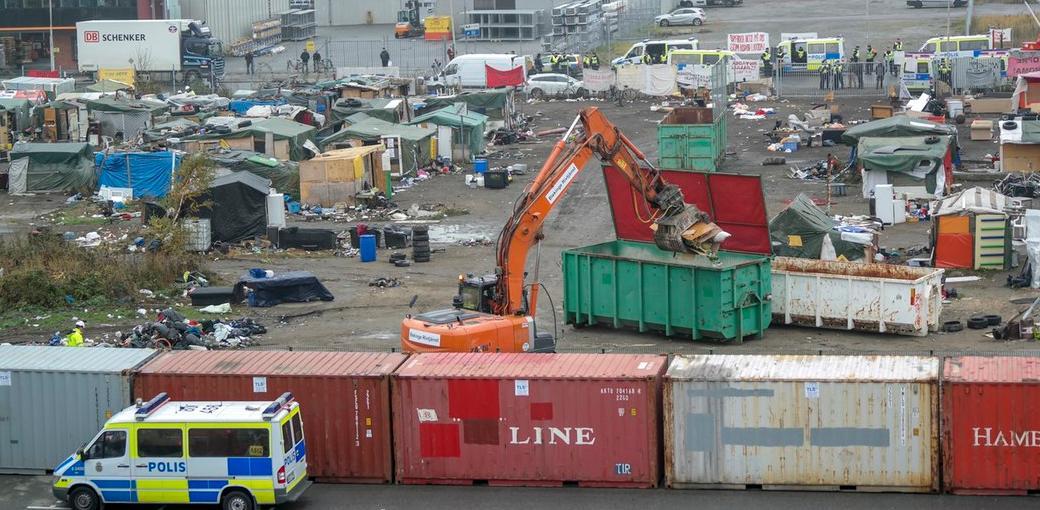 Rivning av EU-migranternas läger i Malmö