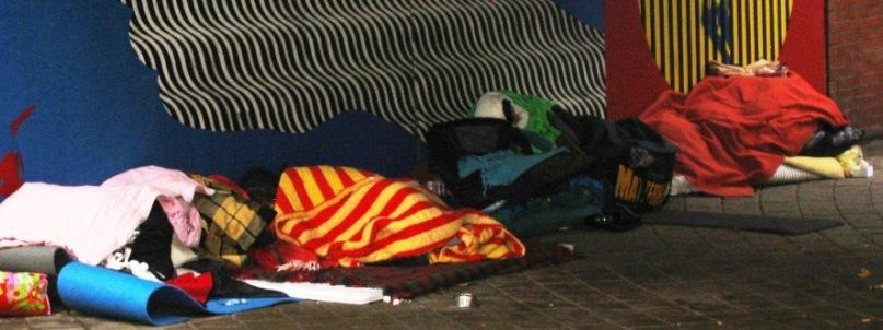 EU-migranter sover framför Stadshuset i Malmö 2015-11-06