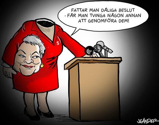 Ylva Johansson (S) vill straffa kommuner som inte snabbt ordnar bostäder till nyanlända