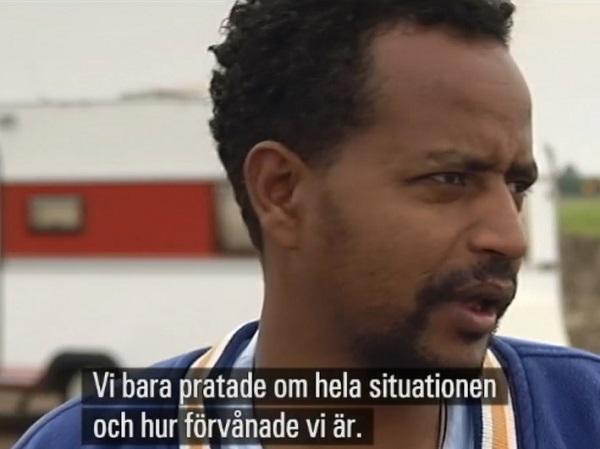 Josef från Eritrea är ilsken över att bo i husvagn