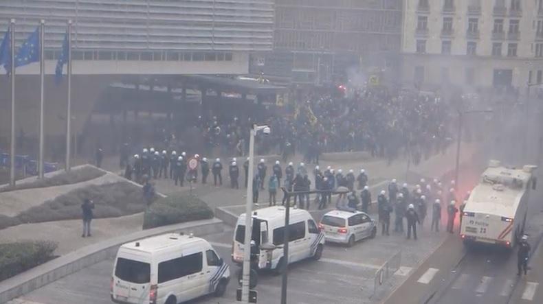 Demonstrationer mot FN:s migrationsavtal i Bryssel, Belgien
