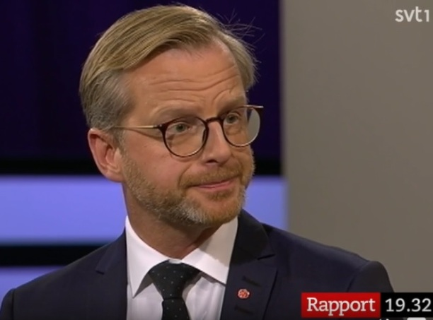 Mikael Damberg , Socialdemokraterna och Miljöpartiet vill inte prata med Sverigedemokraterna... för de har en annan värdegrund
