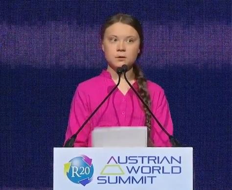 Greta Thunberg talar i Wien på Österrikes R20 Austrian World Summit, maj 2019
